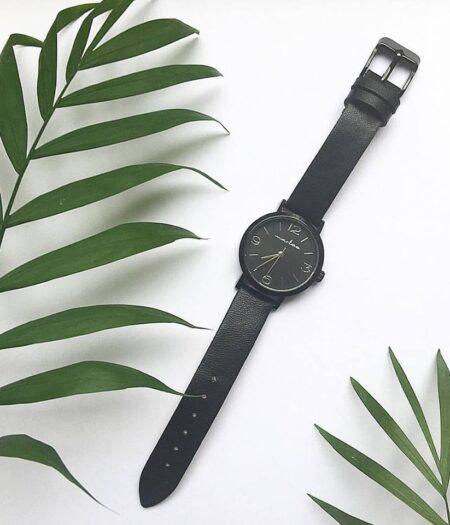 marlee-watch-black-2-plant