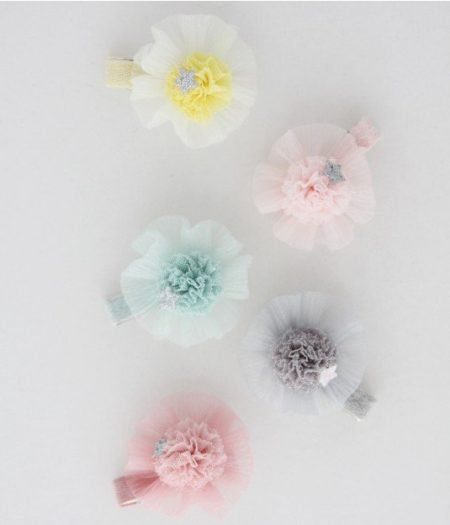 curious wonderland round_pom_pom_tulle_clip_all
