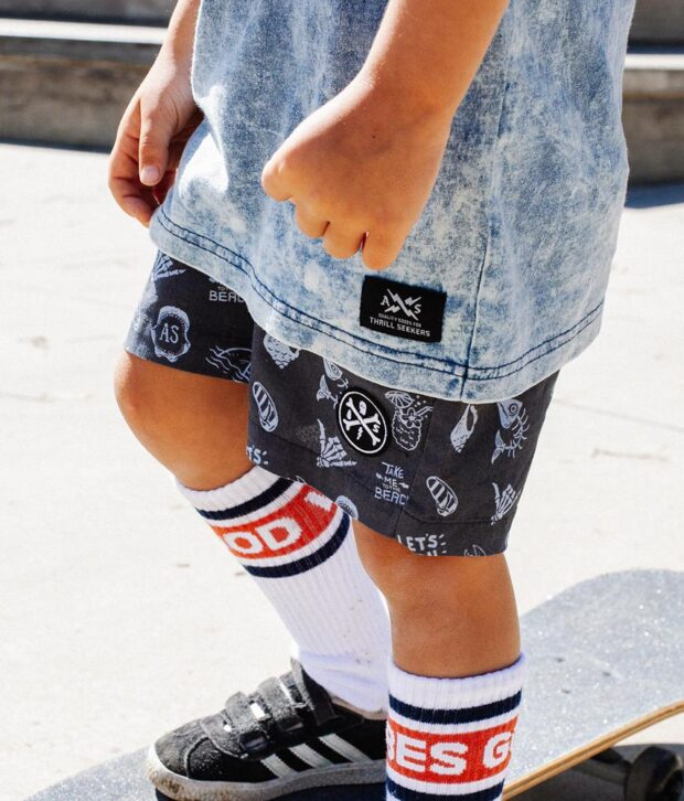 Alphabet Soup Beached Short Washed Charcoal