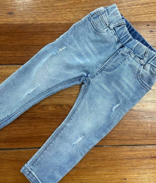 Distressed Denim Jeans - Uni